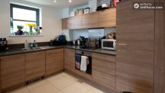 Double Bedroom (Room 2) - Modern 3-bedroom apartment in new building in Limehouse
