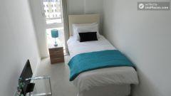 Single Bedroom (Room 2) - Modern 2-Bedroom Apart