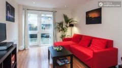 Double Ensuite Bedroom (Room 1) - Modern 3-bedroom apartment in fashionable Hoxton