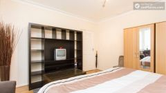 Single Bedroom (Room 3) - Homely 6-bedroom house in suburban Acton