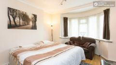 Rooms available - Homely 6-bedroom house in suburban Acton