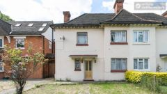 Single Bedroom (Room 2) - Nice 5-Bedroom house with large garden at the border of East Acton