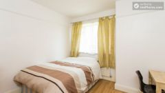 Rooms available - Nice 5-Bedroom house with large garden at the border of East Acton