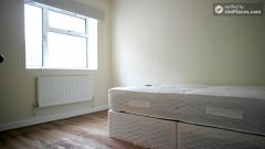 Single Bedroom (Room A) - Bright 5-bedroom apartment in redeveloped Shadwell