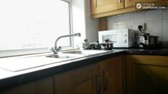 Single Bedroom (Room D) - Bright 5-bedroom apartment in redeveloped Shadwell