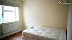 Single Bedroom (Room E) - Bright 5-Bedroom Apart