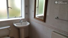 Single Bedroom (Room C) - Bright 3-bedroom apartment in residential Maida Vale