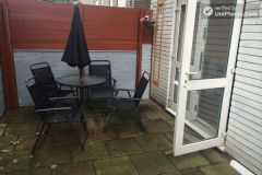 Double Bedroom (Room A) - Cool 4-bedroom apartment in green Millwall