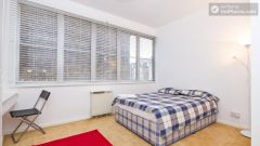 Rooms available - 4-Bedroom apartment in Earl's Court