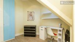 Double Bedroom (Room 3B) - 2-Bedroom apartment in residential West Hampstead