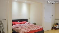 Simple studio apartment for students in Headingley, Leeds