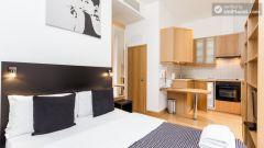 Spotless studio-apartment right next to the University of London