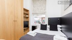 Friendly studio-apartment in residential S  Pancras
