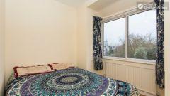 Double Bedroom (Huge Room) - Nice 4-bedroom house not far from the riverside in East Putney