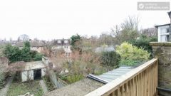 Double Bedroom (Large Room) - Nice 4-bedroom house not far from the riverside in East Putney