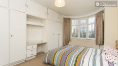 Rooms available - Nice 4-bedroom house not far from the riverside in East Putney