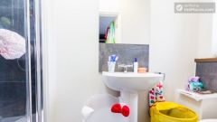 Deluxe En-suite Room - Modern Residence in Popular Bloomsbury