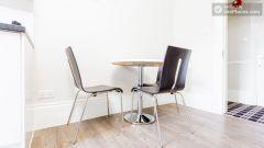 Premium Triple Studio - Modern Residence In Popu