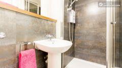 Premium En-Suite Triple Room - Modern Residence in Popular Bloomsbury