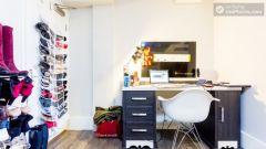 Standard Plus Room (Shared bathroom) - Modern Residence in Popular Bloomsbury