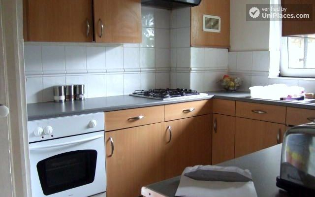 Single Bedroom (Room D) - 4-Bedroom apartment in vibrant Bethnal Green 11 Image