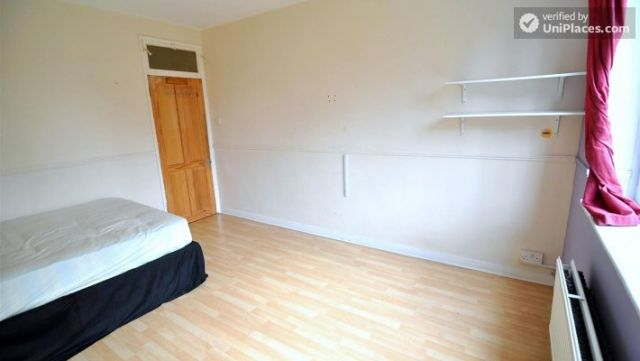 Single Bedroom (Room D) - 4-Bedroom apartment in vibrant Bethnal Green 10 Image