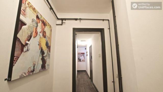Compact studio apartment near Brick Lane 4 Image