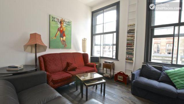 Compact studio apartment near Brick Lane 10 Image