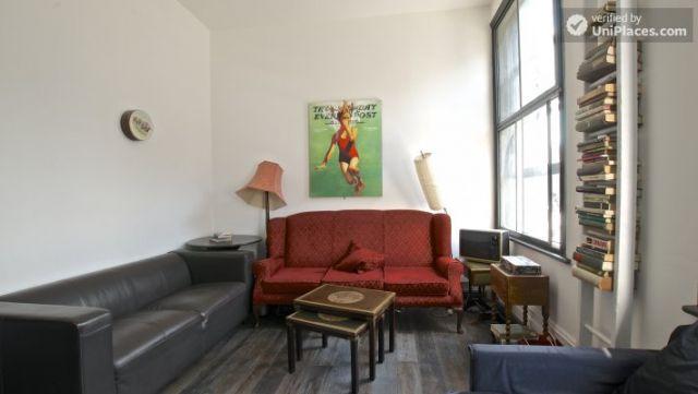 Compact studio apartment near Brick Lane 3 Image