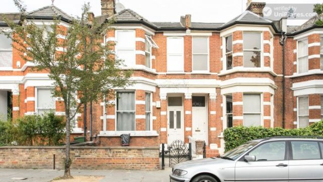 Double Bedroom (Room 1) - Refurbished 3-bedroom apartment in commercial White City 6 Image