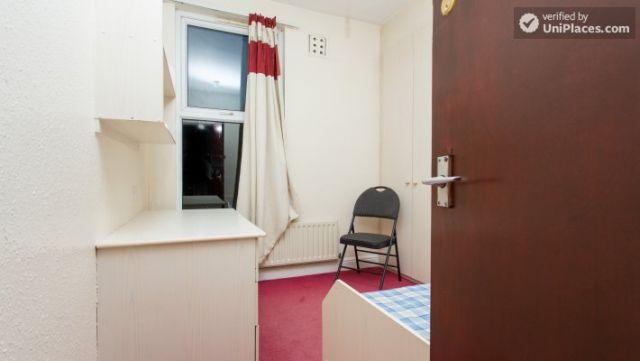 Double Bedroom (Room 3) - Charismatic 5-bedroom house in Headingley, Leeds 6 Image