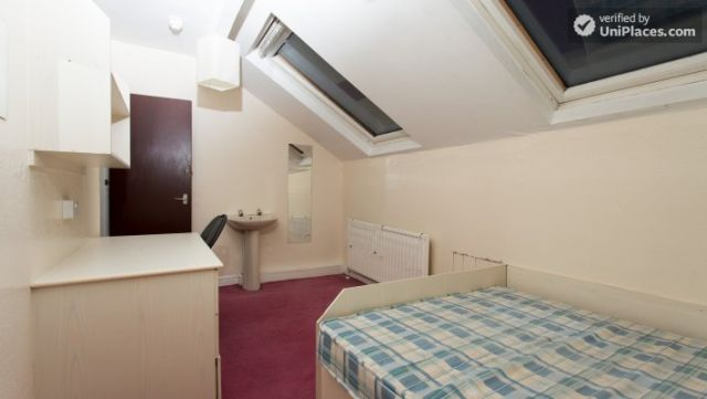 Double Bedroom (Room 3) - Charismatic 5-bedroom house in Headingley, Leeds 4 Image