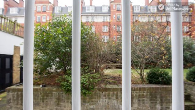 Well-furnished studio-apartment, next to the University of London 10 Image