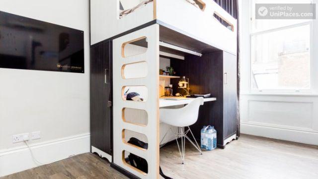 Premium En-Suite Triple Room - Modern Residence in Popular Bloomsbury 5 Image
