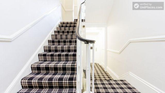 Premium En-Suite Triple Room - Modern Residence in Popular Bloomsbury 6 Image