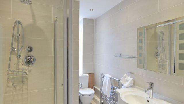 A spacious, bright double studio apartment 5 Image