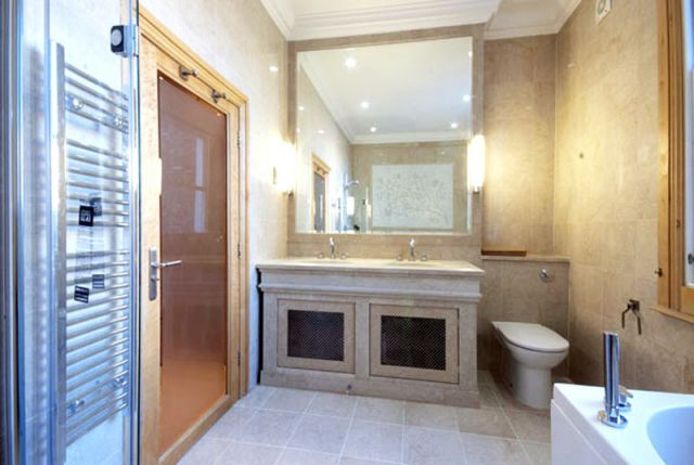 An exceptional 5 bedroom 4 bathroom apartment 6 Image