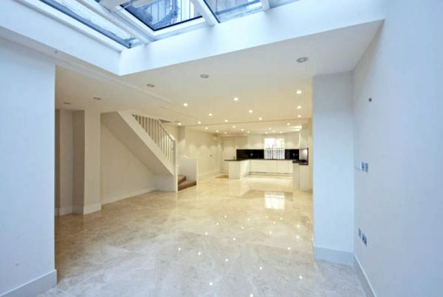 An exceptional 5 bedroom 4 bathroom apartment 3 Image