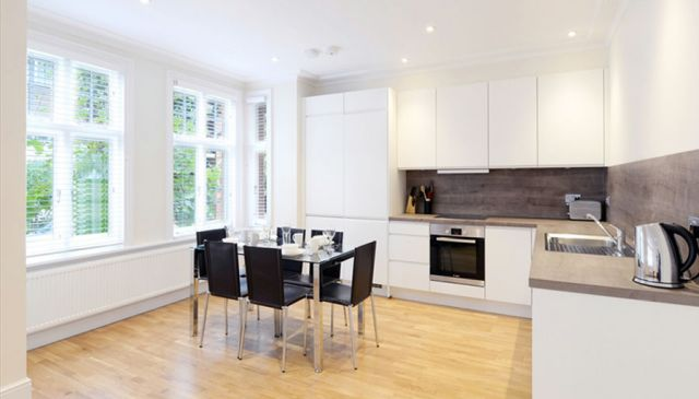 An outstanding two bedroom apartment in West London 6 Image