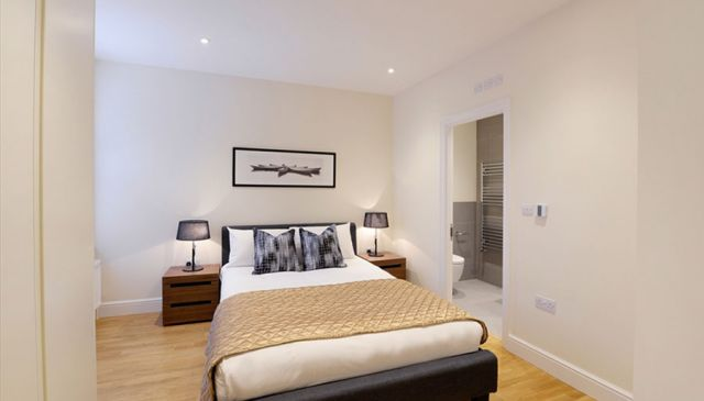An outstanding two bedroom apartment in West London 4 Image