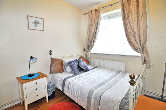 A bright and cosy double bedroom, FREE WiFi, bills incl 3 Image