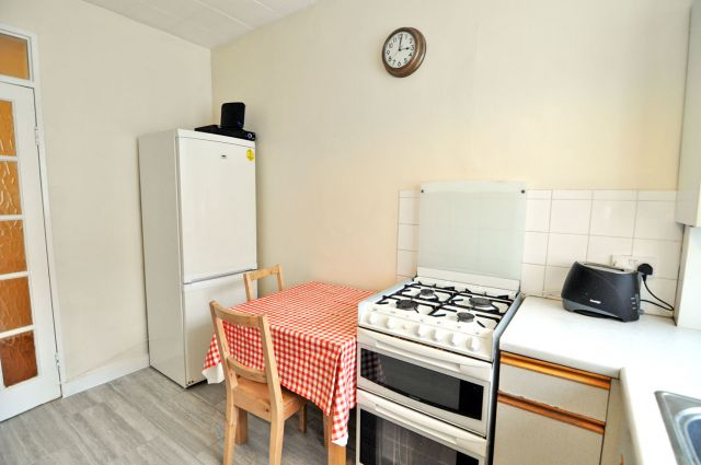 A bright and cosy double bedroom, FREE WiFi, bills incl 6 Image