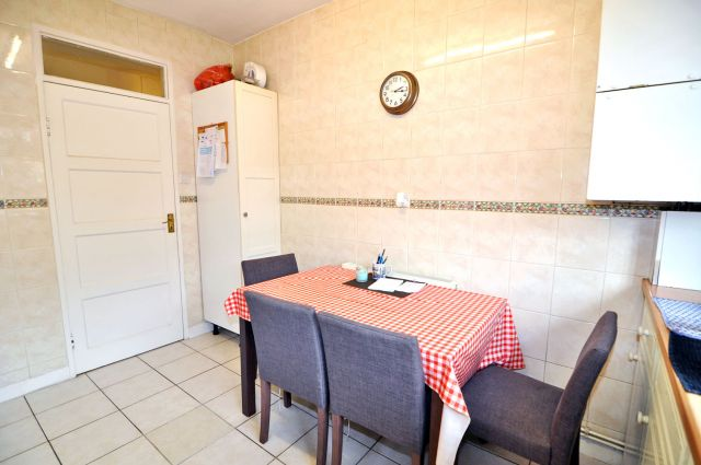 A very spacious double room, free WIFI, bills included 7 Image