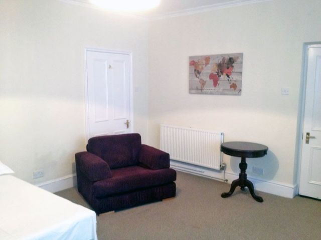 A brand new studio apartment available now 5 Image