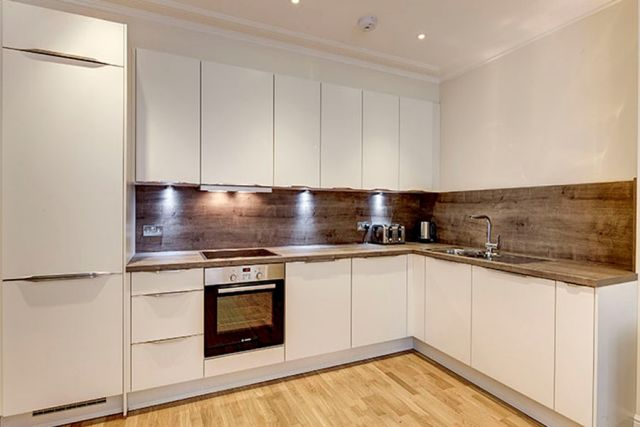 A stunning two bedroom, two bathroom apartment 4 Image