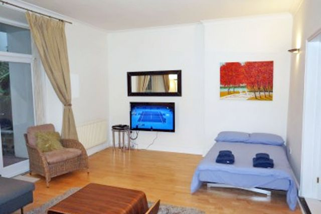 Stunning two double bedroom, two bathroom apartment 7 Image