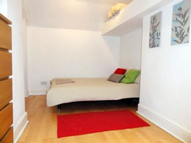 Stunning two double bedroom, two bathroom apartment 8 Image