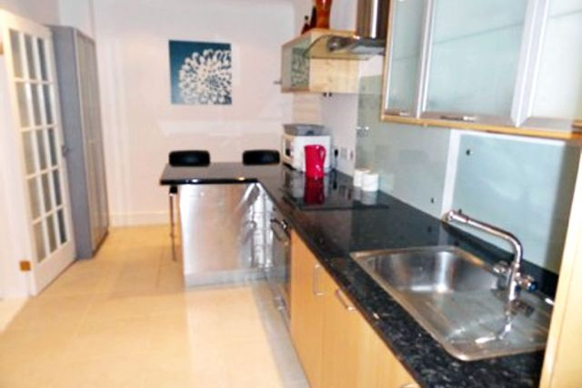 Stunning two double bedroom, two bathroom apartment 9 Image