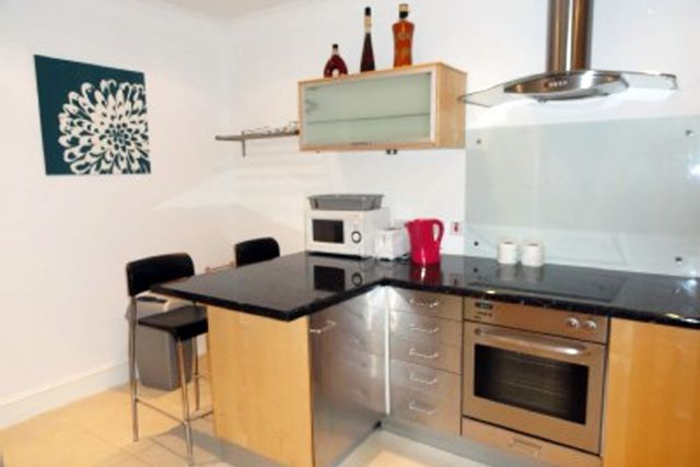 Stunning two double bedroom, two bathroom apartment 10 Image