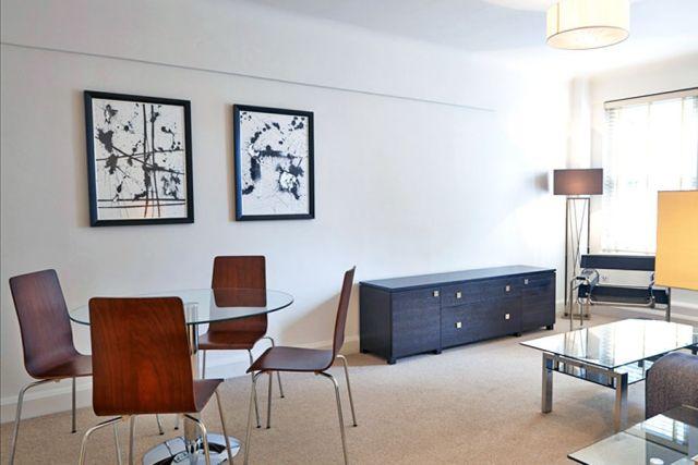 A Spacious 2 Bedroom 2 Bathroom First Floor Apartment Kensington And Chelsea Greater London
